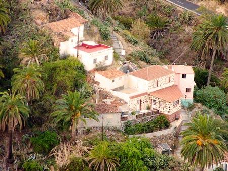 Vallehermoso, Ferienhäuser zwischen Palmen, La Gomera